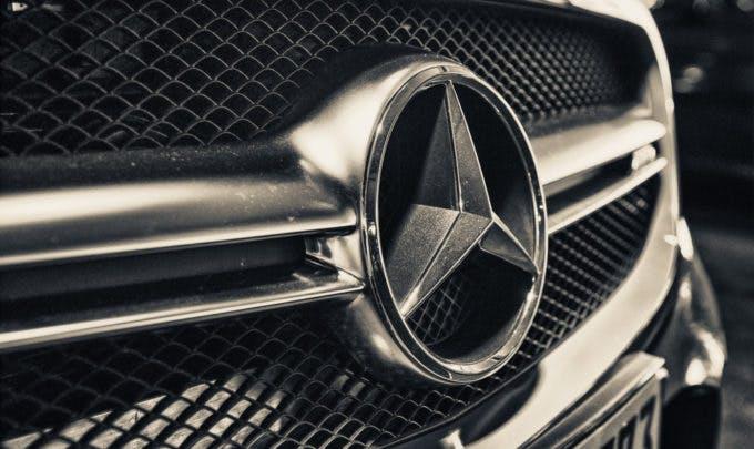 Mercedes und Icertis entwickeln einen Blockchain-Prototyp