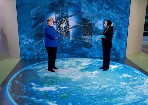 Merkel warnt vor Risiken durch KI