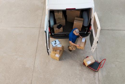 Zoll-Razzia bringt Paketdienste deutschlandweit in Bedrängnis