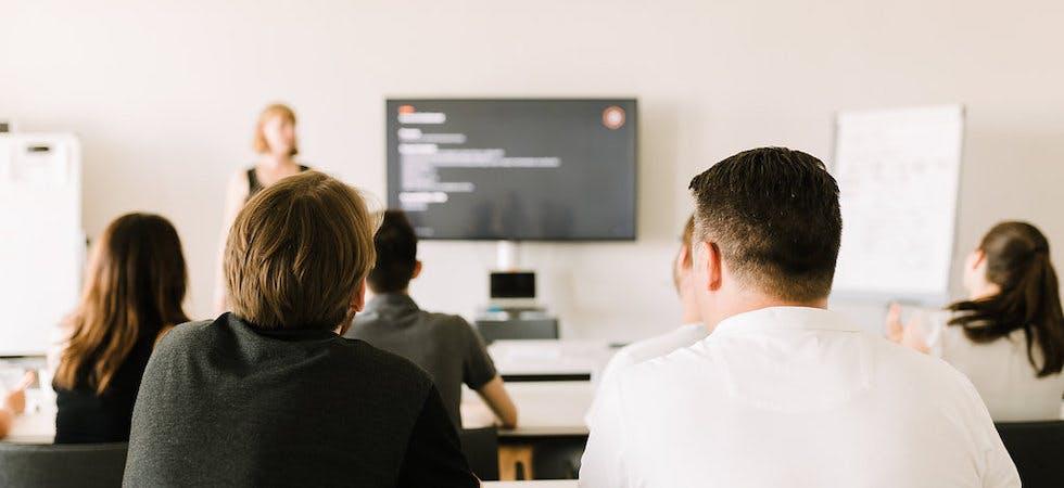 Mitarbeiter entwickeln Digitalagenturen