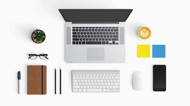 Aufräumen: So bekommst du das Chaos auf deinem Schreibtisch in den Griff