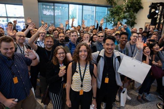 Apple vergibt für die Teilnahme an der WWDC 2019 350 Stipendien für die Entwickler von morgen. (Foto: Apple)