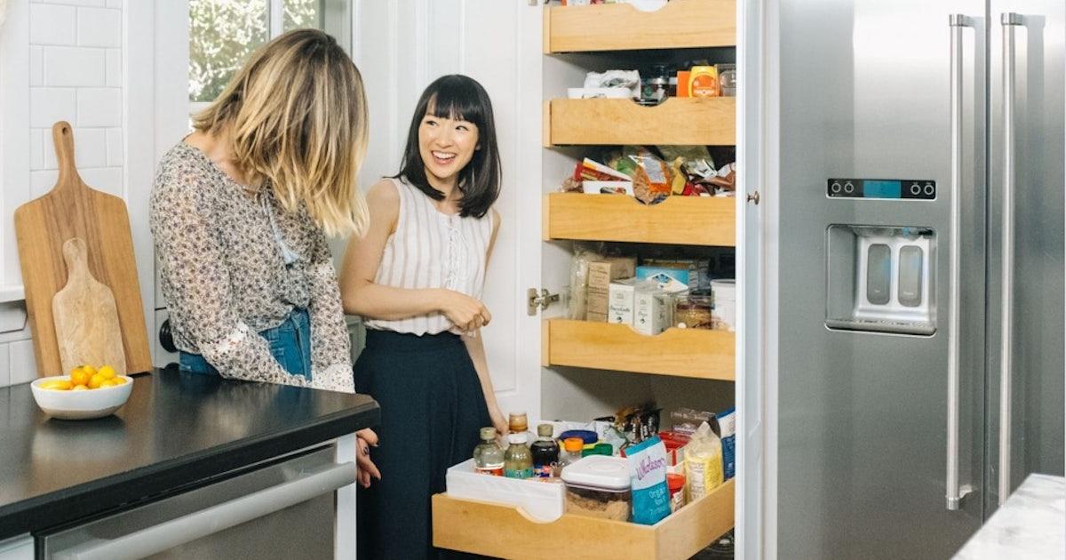 aufr umexpertin marie kondo plant eine eigene e commerce plattform. Black Bedroom Furniture Sets. Home Design Ideas