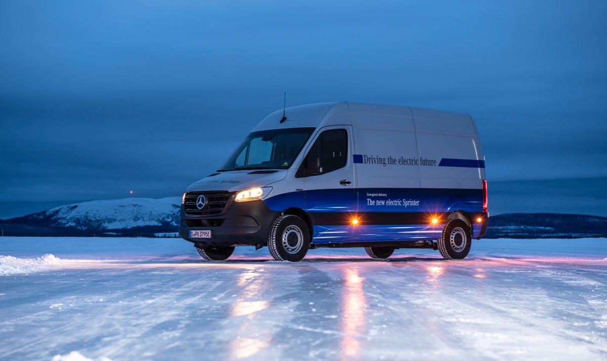 E-Sprinter kommt mit bis zu 150 Kilometern Reichweite und Schnellladefunktion
