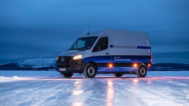 Mercedes: E-Sprinter mit Schnellladefunktion und bis zu 150 Kilometern Reichweite