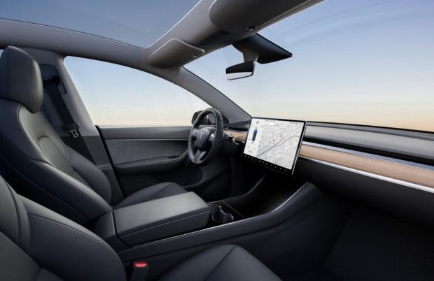 Tesla Model Y mit schwarzem Interieur. (Bild: Tesla)