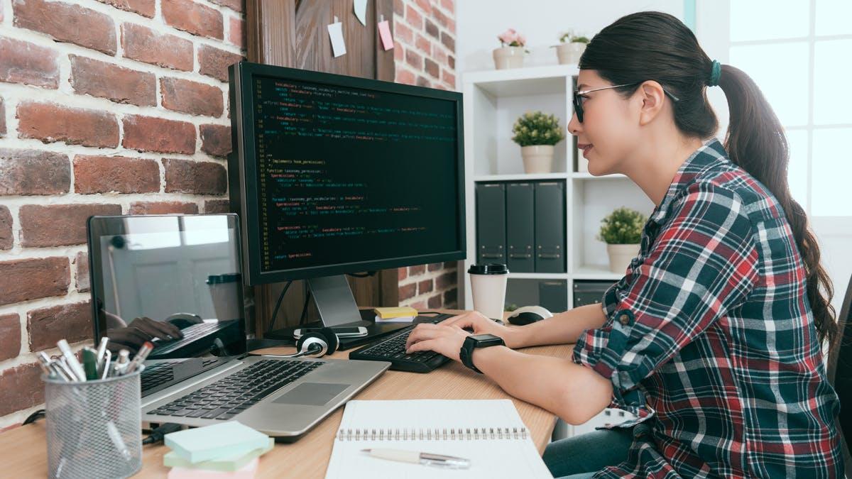 Entwickler-Umfrage: Darum solltest du deine Kinder beim Programmieren bestärken