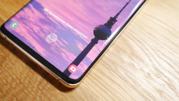 Der In-Display-Fingerabdruckensor des Samsung Galaxy S10 (Plus) ist nicht so schnell wie ein herkömmlicher. (Foto: t3n)
