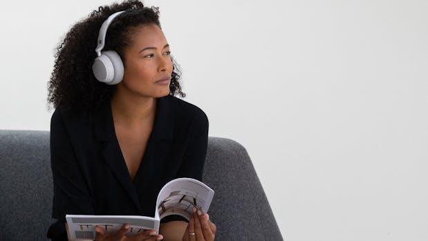 Surface Headphones im Test: Microsofts Kopfhörer-Debüt hat den Dreh raus