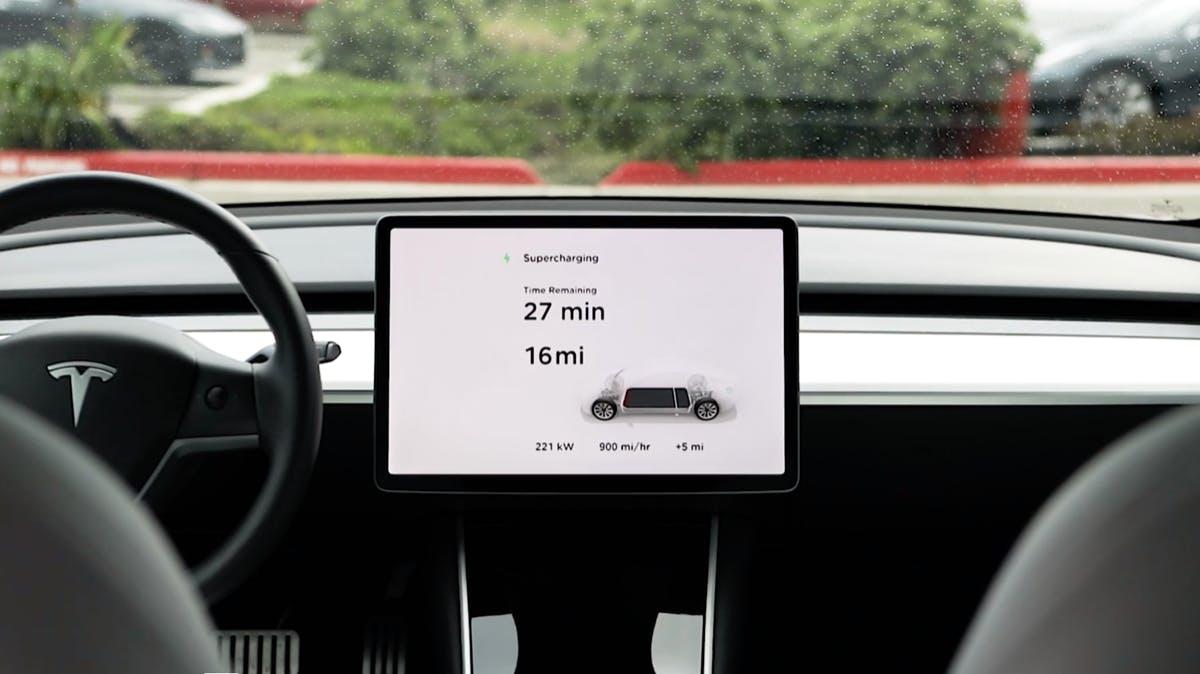 Tesla – die neue Supercharger-Technik soll die Ladezeit um die Hälfte verkürzen