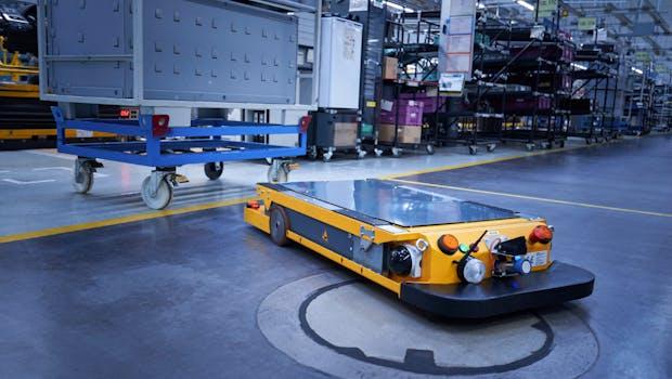 Smart-Transport-Roboter im BMW-Group-Werk Regensburg. (Foto: BMW)