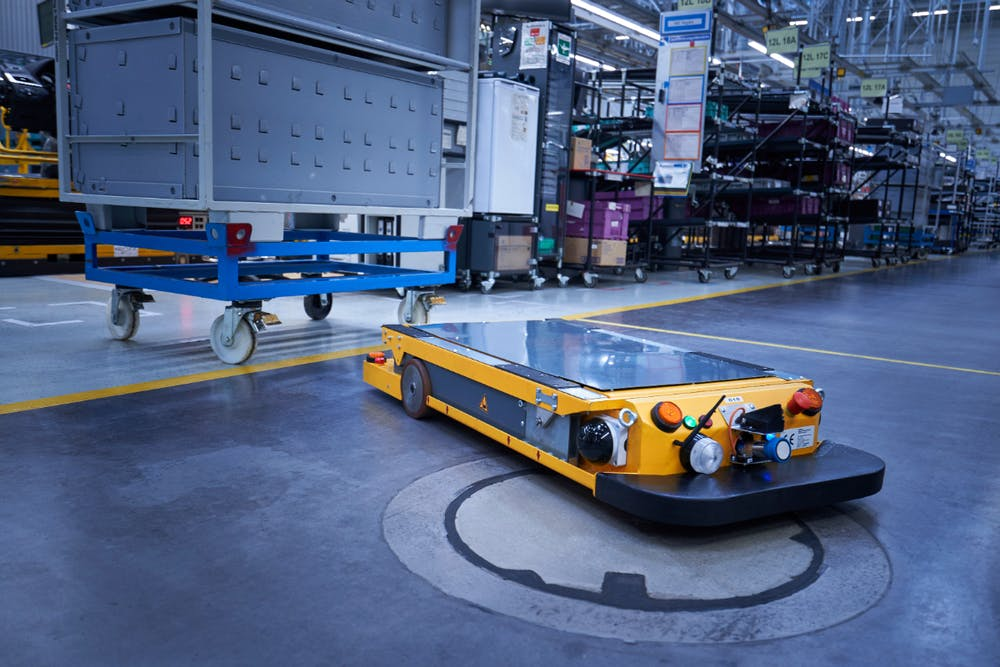 Smart-Transport-Roboter im BMW-Group-Werk Regensburg. (Foto: BMW)