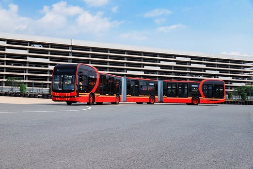 BYD – Chinesischer Fahrzeugbauer stellt den längsten E-Bus der Welt vor