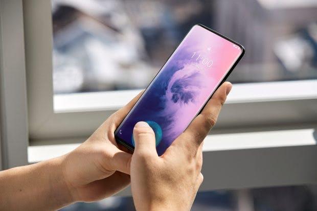 Der in-Display-Fingerabdrucksensor des Oneplus 7 (Pro) ist schneller als andere Lösungen. (Foto: Oneplus)