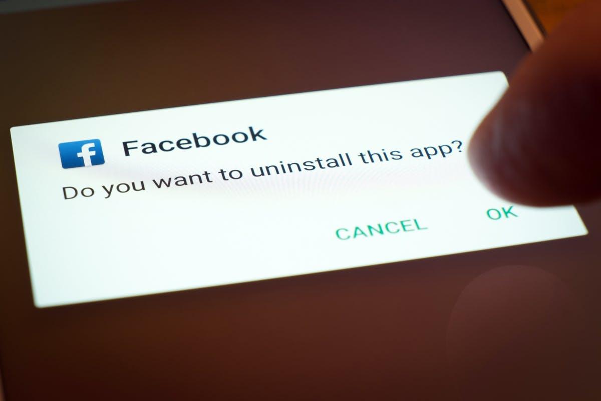 """Facebook-Mitgründer Chris Hughes:""""Es ist an der Zeit, Facebook zu zerschlagen"""""""