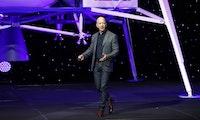 Jeff Bezos benennt Schiff nach Mutter: Blue Origin nimmt Raketenlandefähre Jacklyn in Betrieb