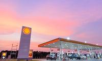 Shell: Erste Tankstellen erhalten Ladesäulen für E-Autos