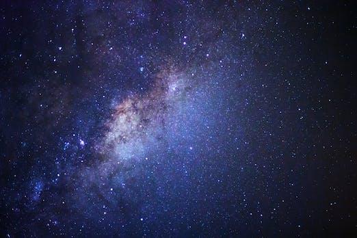 Fast schon unheimlich: KI simuliert das Universum
