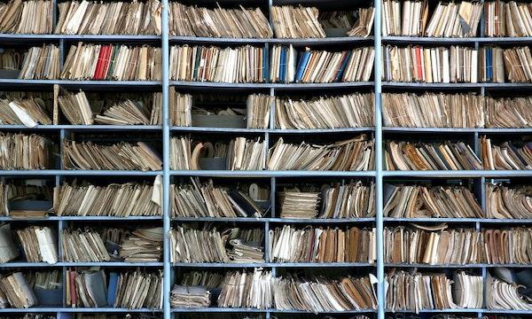 Blätterst du noch oder scrollst du schon? Digitalisier dich und deine Dokumente