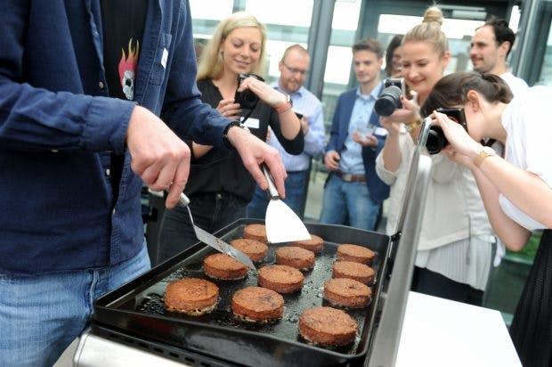 The Beyond Meat Burger: Die Fleischersatzburger bei einer Pressevorführung des Anbieters Gourmondo. (Foto: dpa)