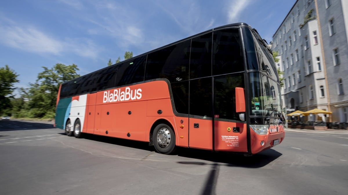 Blablabus attackiert Flixbus mit 99-Cent-Tickets