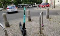 Berliner E-Roller-Anbieter Tier übernimmt britisches Batterie-Startup