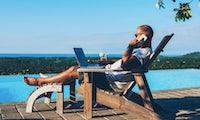 Arbeiten trotz Urlaub: 70 Prozent der Berufstätigen sind für den Chef erreichbar