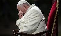 Vitamin P: Schräges Bewerbungsfoto mit Papst amüsiert Twitter