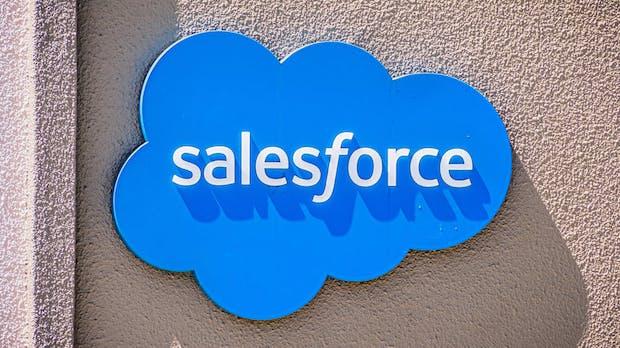 Salesforce erhöht Umsätze um über 20 Prozent