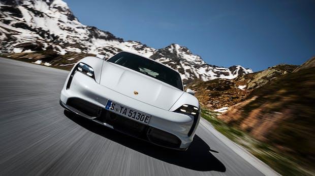 Langstrecke bei Elektroautos: Porsche Taycan schneidet am besten ab