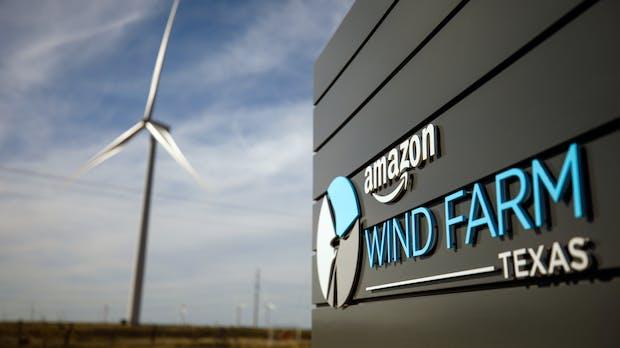 Klima-Offensive: Amazon kauft 100.000 E-Vans und pflanzt Bäume