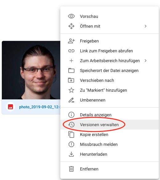 Kontextmenü in Google Drive zum Verfolgen der Versionen einer Datei.
