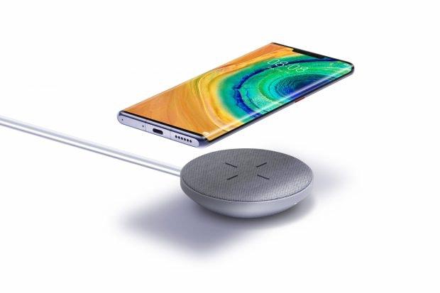 Das Huawei Mate 30 (Pro) unterstützt kabelloses Laden mit 27 Watt. (Bild: Huawei)