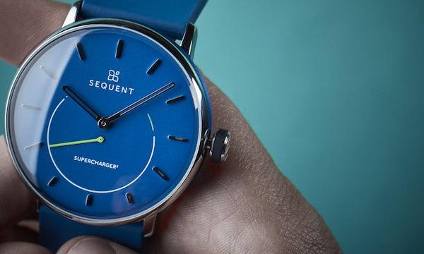 Die Supercharger 2 ist eine selbstaufladende Hybrid-Smartwatch mit Schweizer Uhrwerk