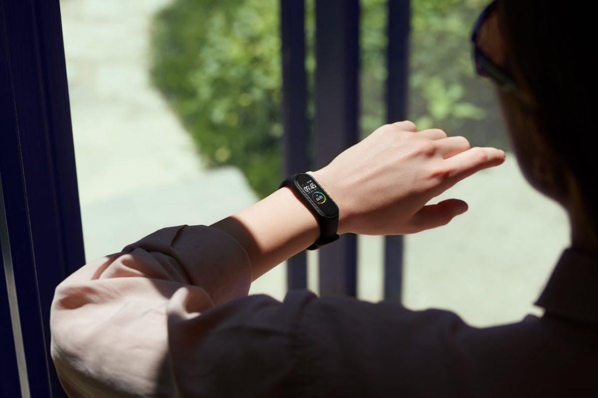 Fitnessarmbänder und Smartwatches: Xiaomi treibt Markt an, Fitbit so schlapp wie nie