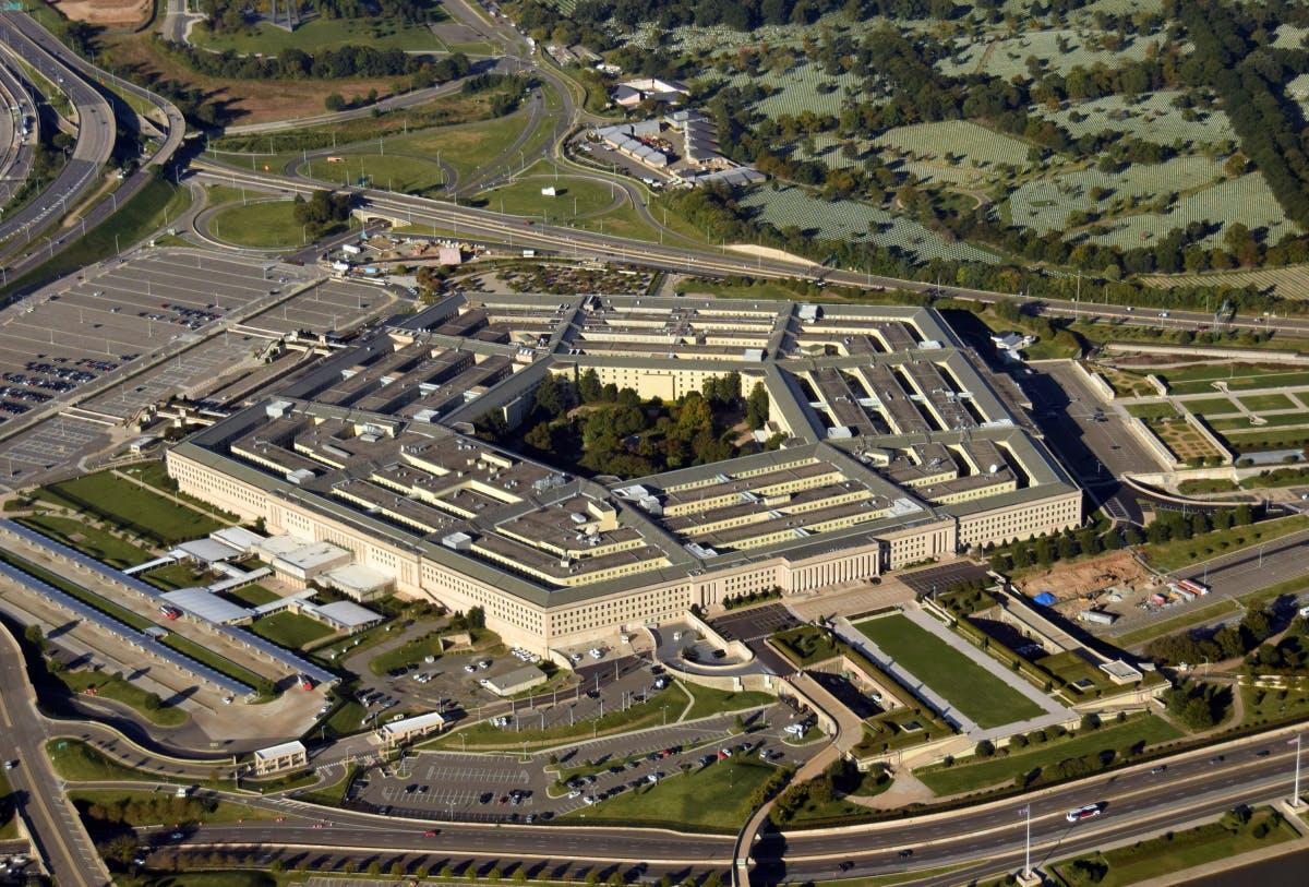 Amazon-Klage: Gericht stoppt Pentagon-Auftrag an Microsoft vorläufig