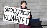 Greta Thunberg: Agentur macht aus berühmten Plakat kostenlose Schriftart