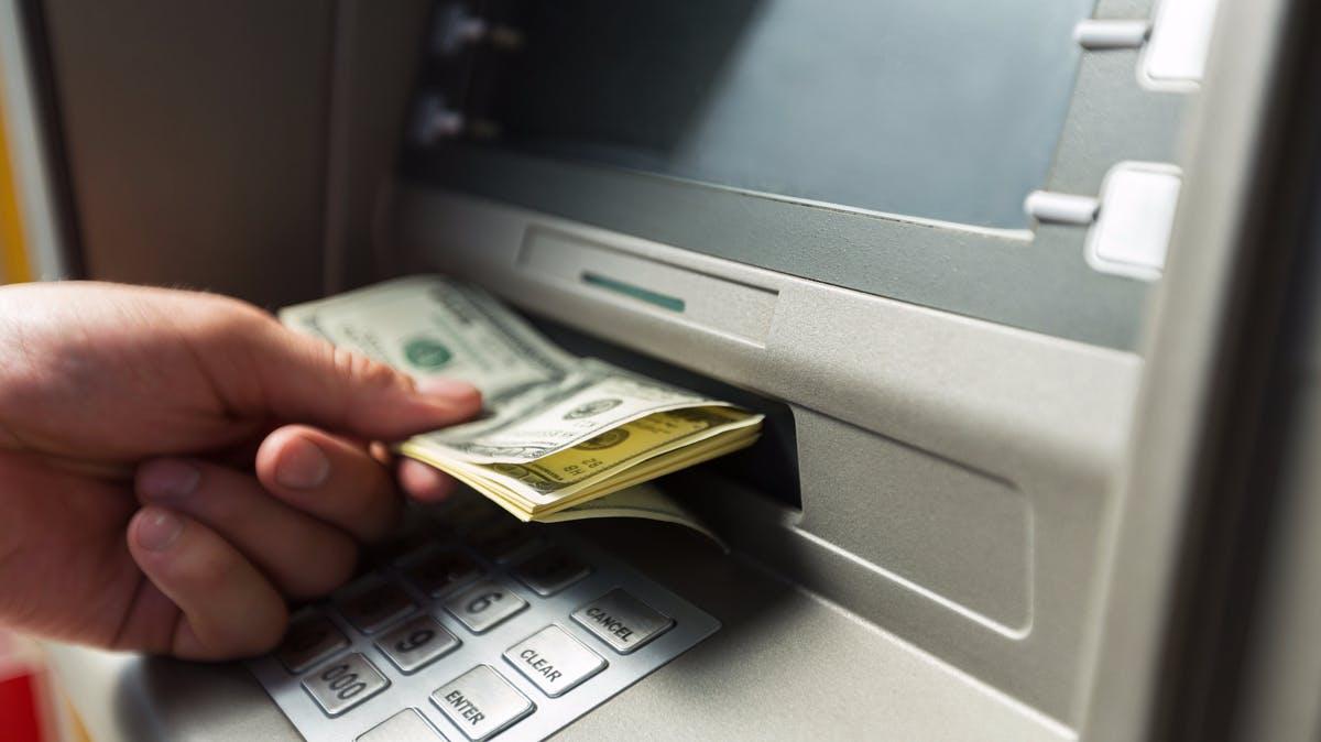 Windows-Bankautomaten geknackt: Malware leert Geldfächer