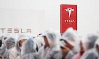 Tesla plant vorerst mit bis zu 10.500 Beschäftigten für neue Fabrik