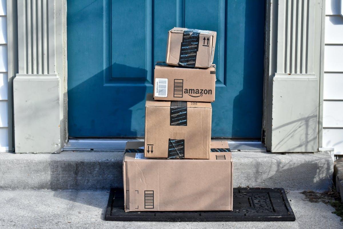 Amazon lässt sich eine rollende Packstation patentieren