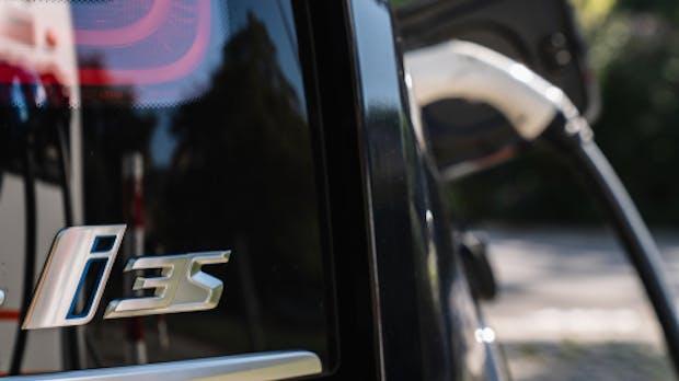 Zahl der Ladesäulen für Elektroautos deutlich gestiegen