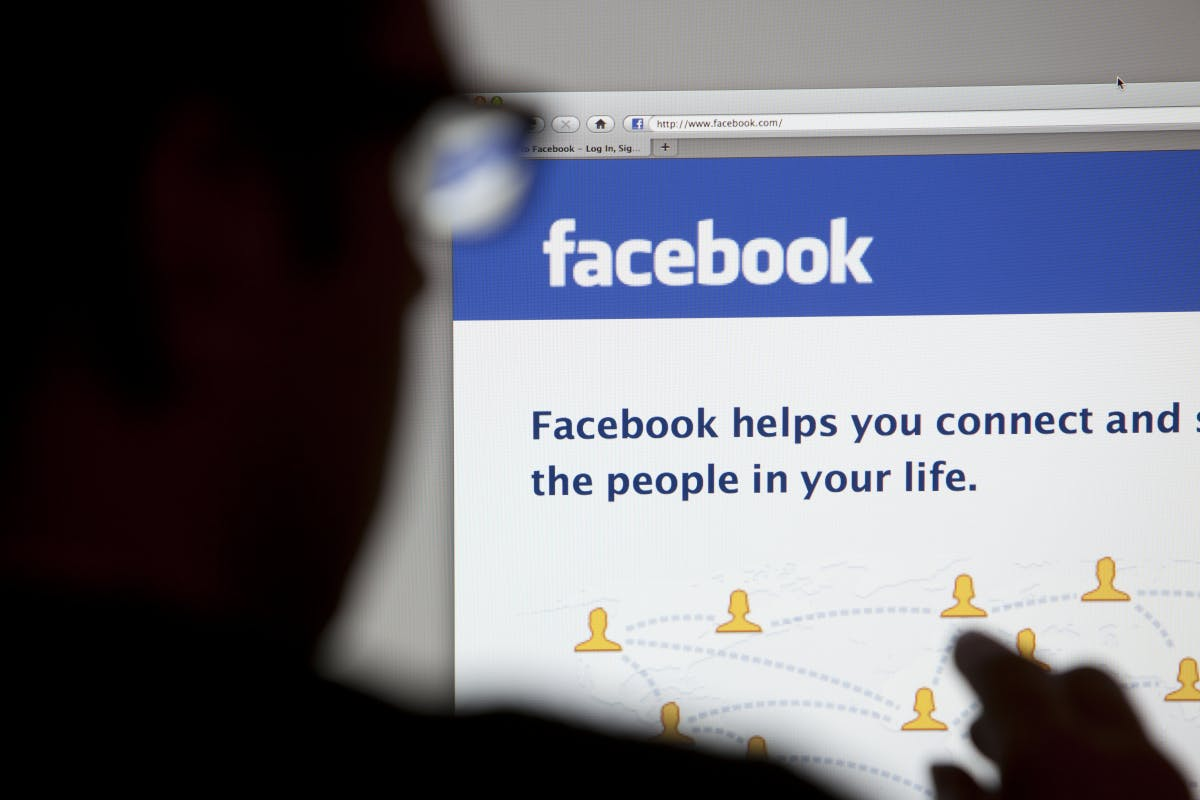 Warum es Sinn ergeben kann, Facebook deine Nacktfotos zu schicken