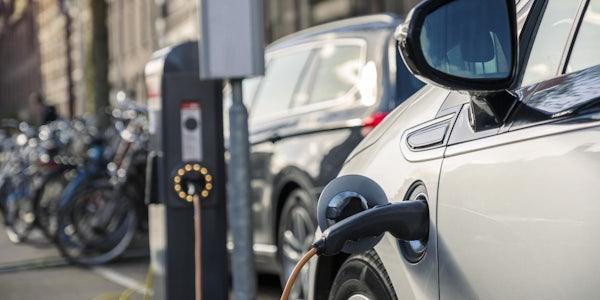 Elektromobilität: Öffentliches Laden darf kein Luxus werden