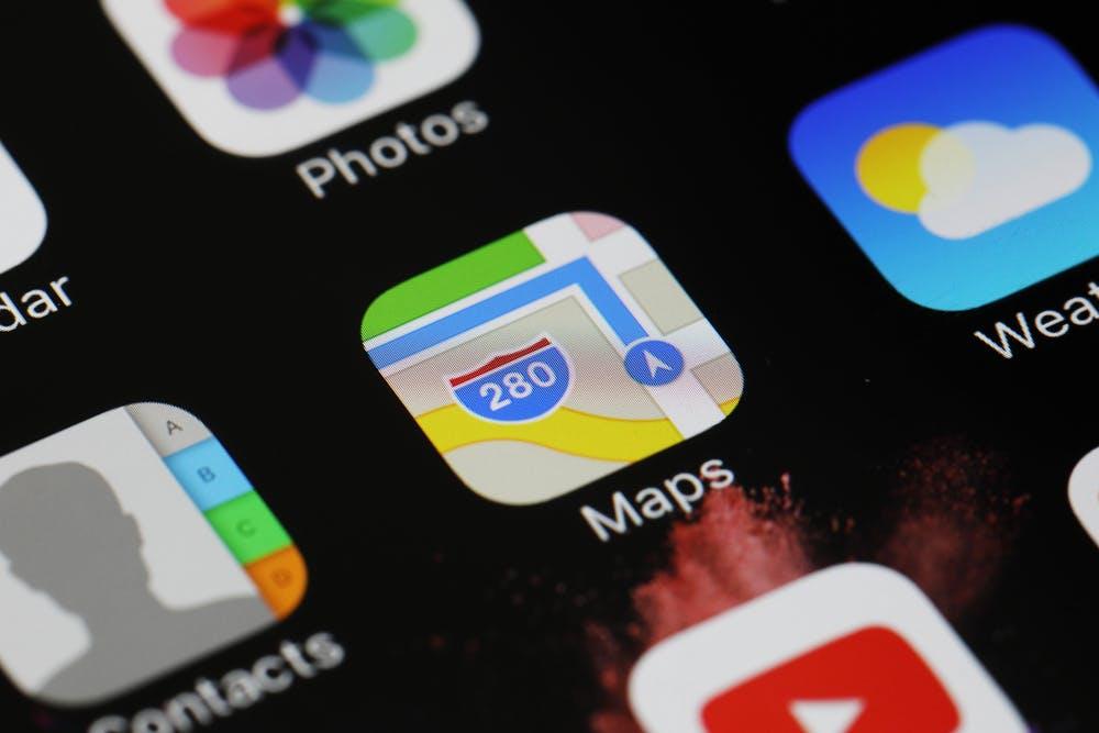 Auch in großen Teilen Deutschlands: Apple Maps zeigt ab sofort Nahverkehrsinfos an