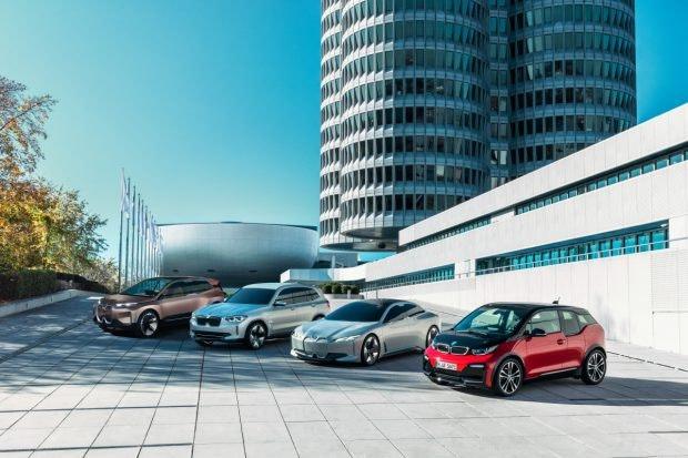 BMW i4 und Familie. (Bild: BMW)