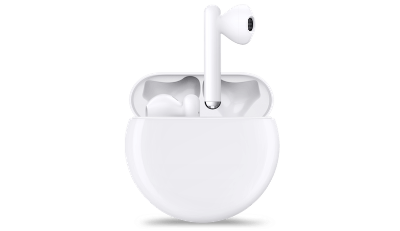 Eine geöffnete Ladeschale der Huawei FreeBuds 3, aus der ein Hörer vollständig, ein anderer nur teilweise herausragt