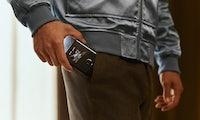 Razr: Motorolas erstes Foldable ist ein Klapphandy mit großem Faltdisplay