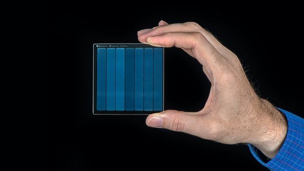 Project Silica: Microsoft speichert 360 TB auf einer Glasscheibe