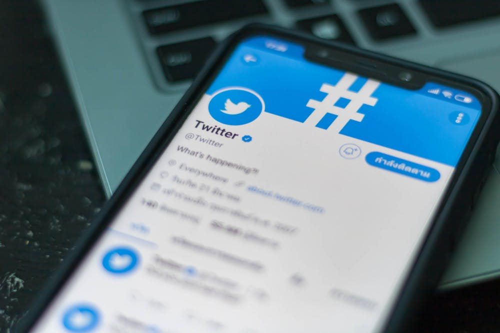 Twitter teilt Daten von App-Nutzern mit Facebook und Google
