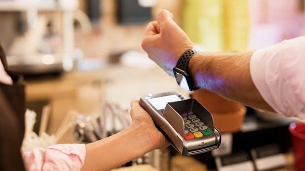 Europäer bezahlen immer häufiger mit der Smartwatch
